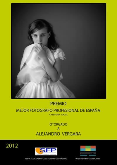 Premio al mejor fotógrafo profesional de España otorgado al fundador de Imprimir Fotos Granada, una web para revelar fotos online baratas y de calidad